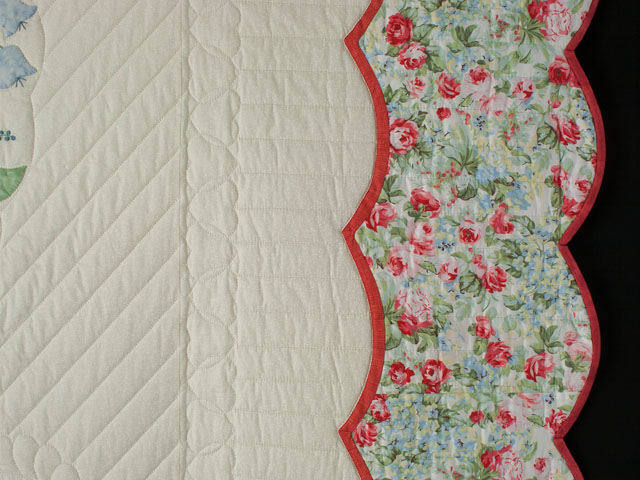 Heart of Roses Quilt in King Coral, paprika, blue and green on ivory Photo 5