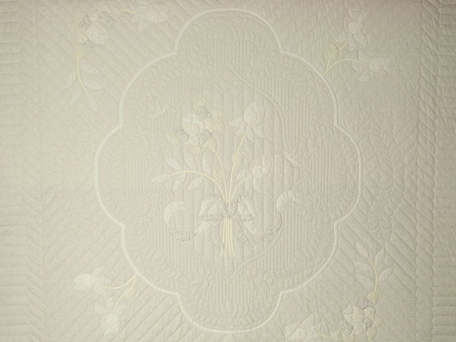 Lancaster Treasure King  Soft Neutrals-Hand Applique, Hand Quilted Photo 3