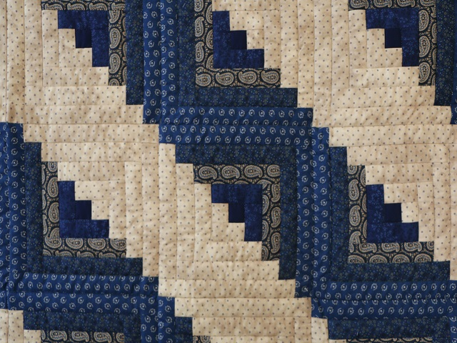 Log Cabin Navy and Tan Quilt Photo 4