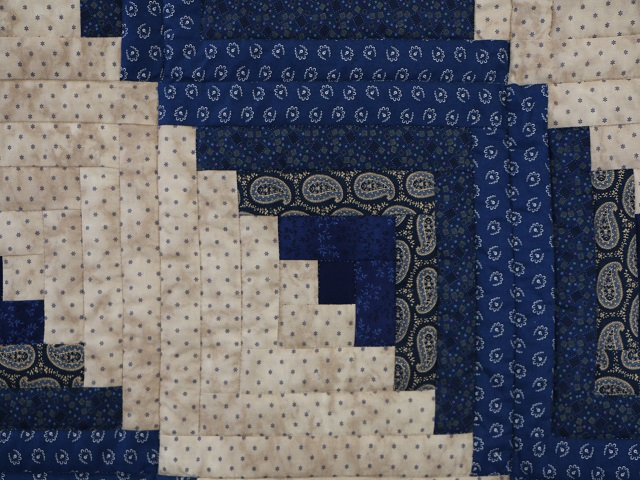 Log Cabin Navy and Tan Quilt Photo 5
