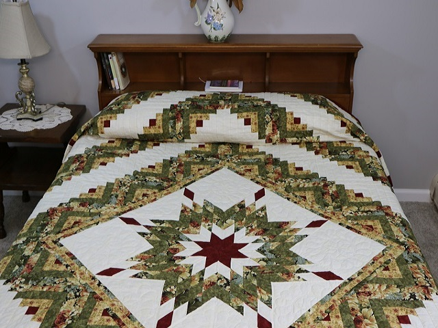 Green Gold and Deep Burgundy Lone Star Log Cabin Quilt Photo 1