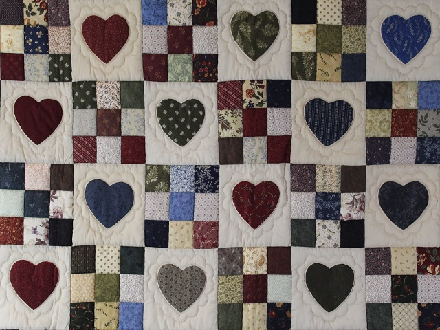 Hearts and Nine Patch Throw Photo 4