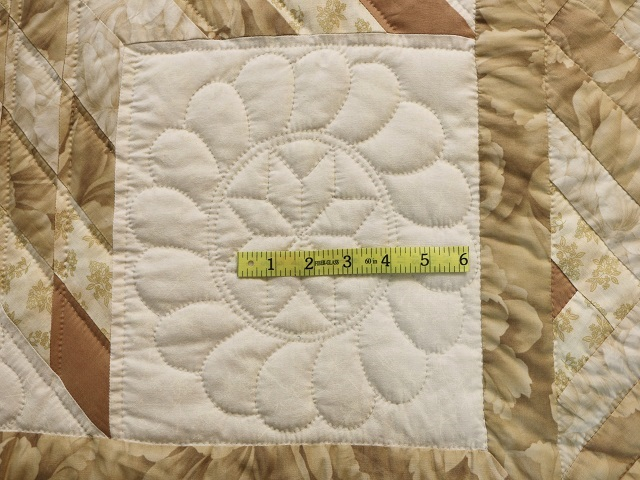 Beige Lone Star Log Cabin Quilt Photo 7