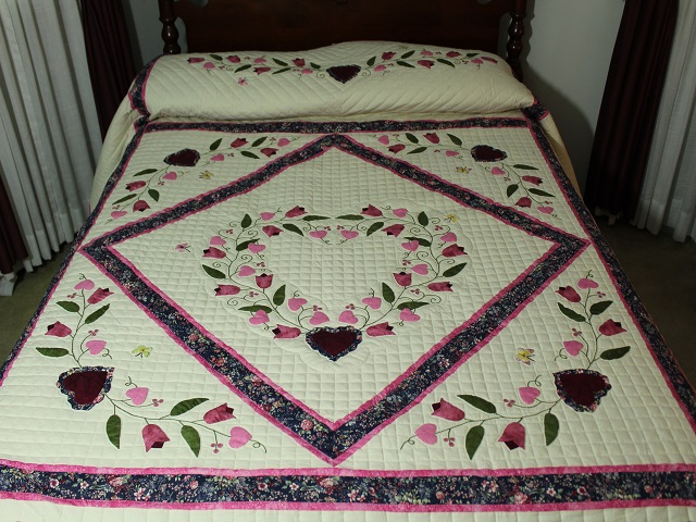 Burgundy and Pink Hearts and Tulips Quilt Photo 1