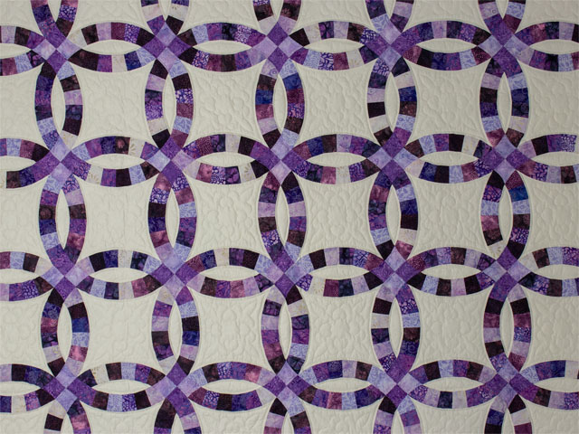 QUEEN SIZE BED Wedding Ring charming raspberry, purple, and lilac fabrics in batiks Photo 3