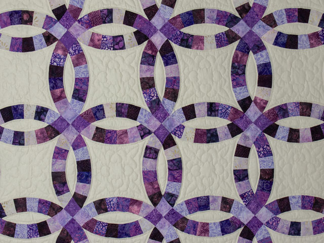 QUEEN SIZE BED Wedding Ring charming raspberry, purple, and lilac fabrics in batiks Photo 4