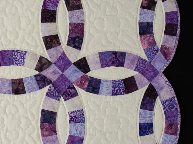 QUEEN SIZE BED Wedding Ring charming raspberry, purple, and lilac fabrics in batiks Photo 5