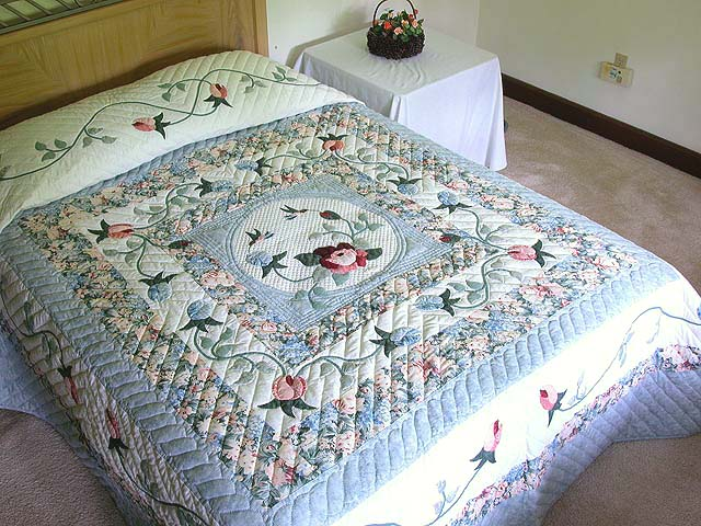 King Pastel Blue and Peach I Promised You a Rose Garden Quilt Photo 1