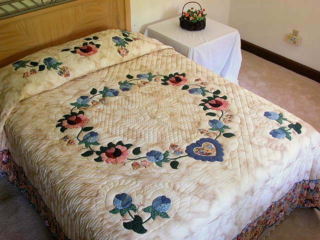 Blue Rose and Tan Heart of Roses Quilt Photo 1