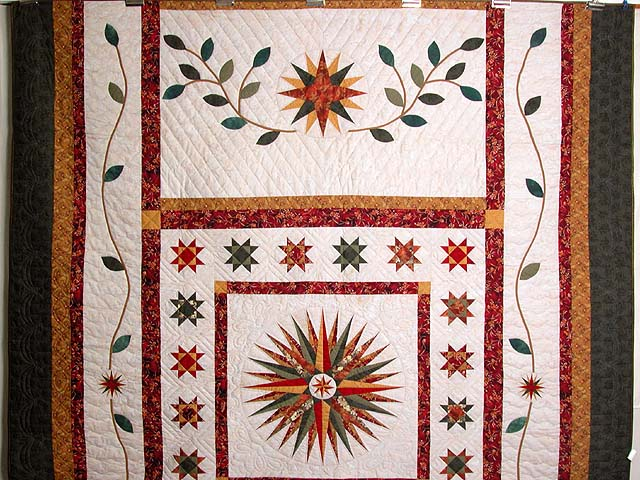 Red Green and Gold Mariner Compass Quilt Photo 2