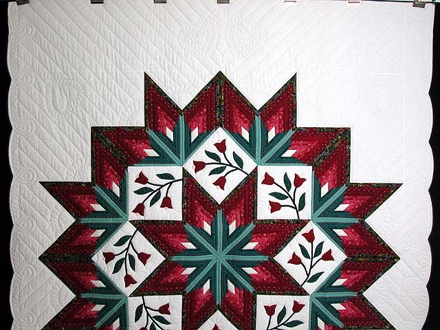 Burgundy and Green Eight Point Tulip Wreath Quilt Photo 2