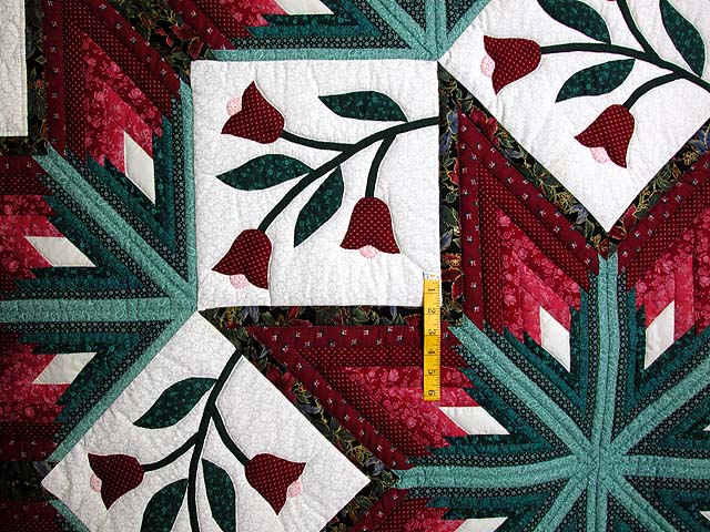 Burgundy and Green Eight Point Tulip Wreath Quilt Photo 4