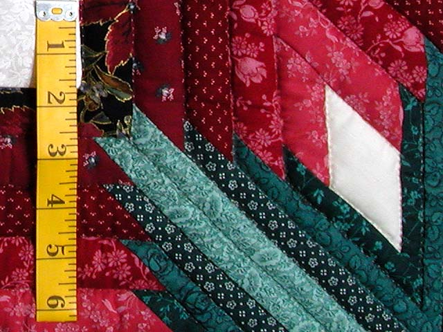 Burgundy and Green Eight Point Tulip Wreath Quilt Photo 5