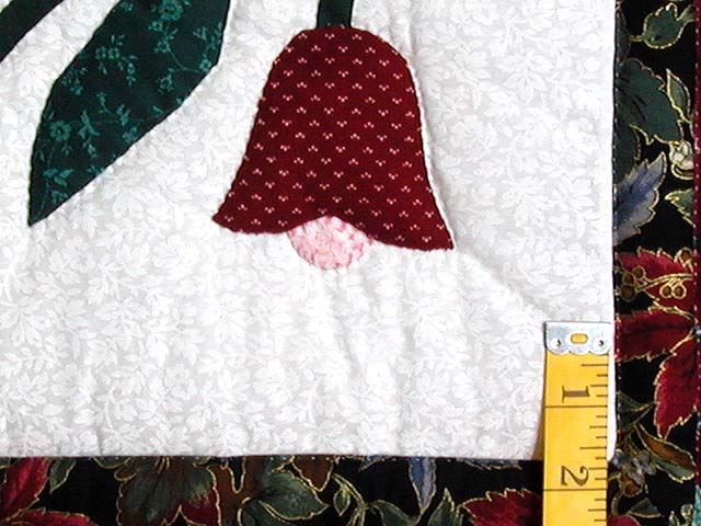 Burgundy and Green Eight Point Tulip Wreath Quilt Photo 6