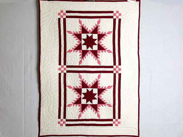 Burgundy Feathered Edge Star Crib Quilt Photo 1