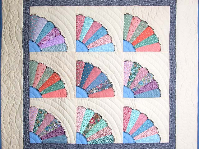 Multicolor Fans Wall Hanging Photo 2