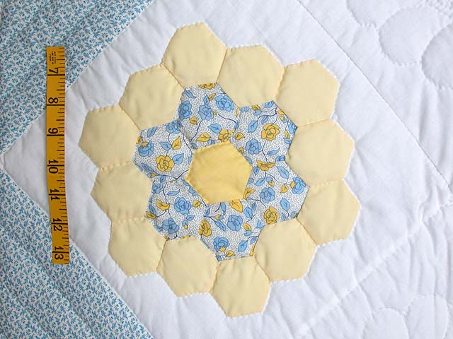Pastel Flower Garden Crib Quilt Photo 4