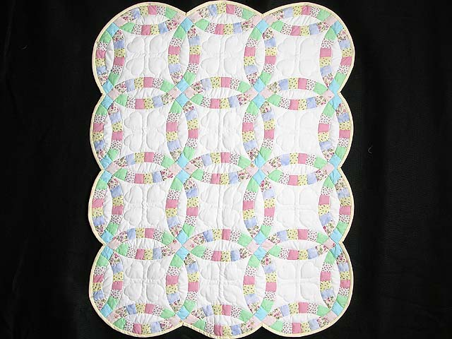 Pastel Double Wedding Ring Crib Quilt Photo 1