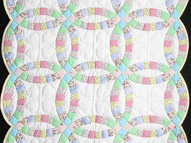 Pastel Double Wedding Ring Crib Quilt Photo 2