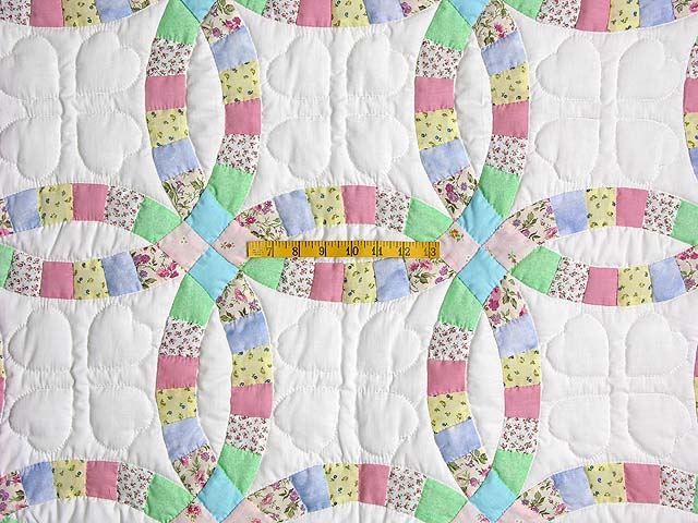 Pastel Double Wedding Ring Crib Quilt Photo 3