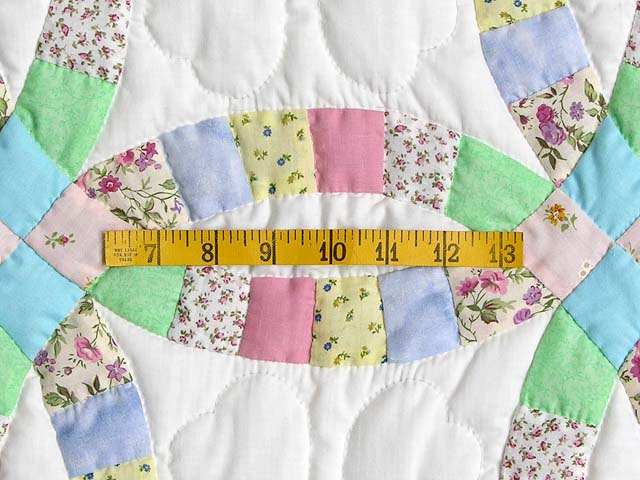 Pastel Double Wedding Ring Crib Quilt Photo 4