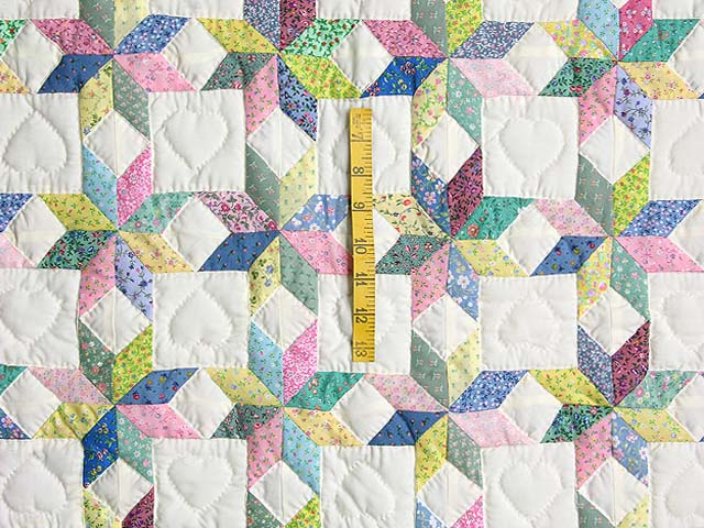 Pastel Blue and Cranberry Little Stars Crib Quilt Photo 3