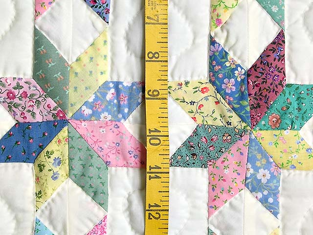 Pastel Blue and Cranberry Little Stars Crib Quilt Photo 4