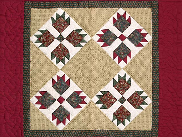 Red and Green Bears Paw Wall Hanging Photo 2