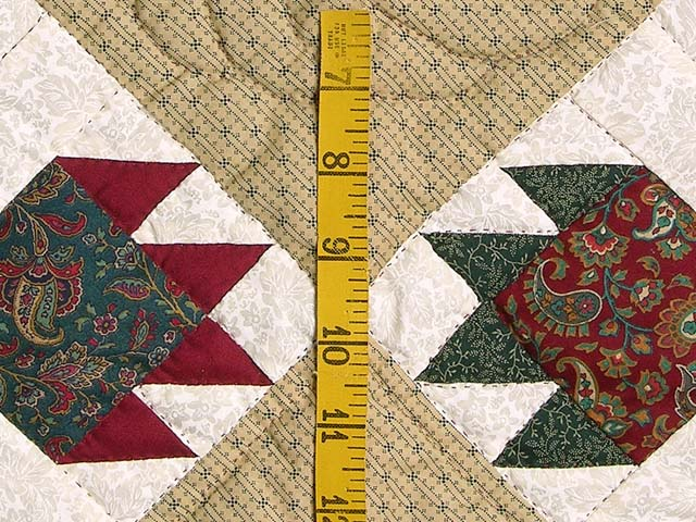 Red and Green Bears Paw Wall Hanging Photo 4