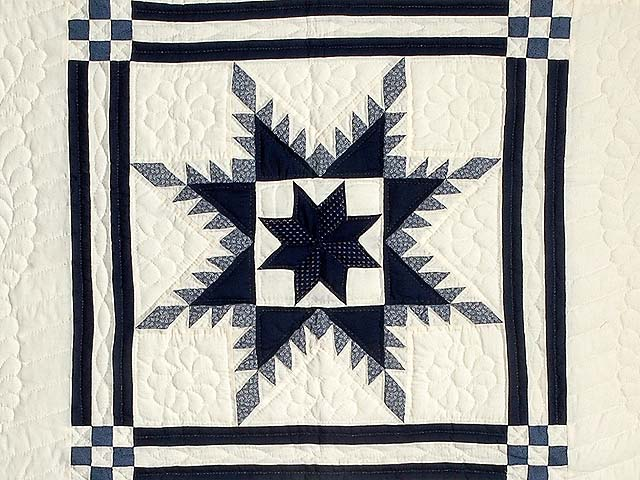 Navy and Cream Feathered Edge Star Crib Quilt Photo 2