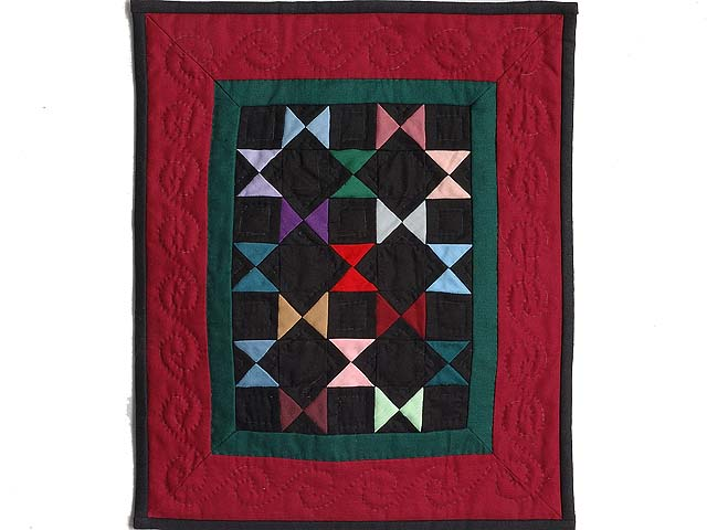 Mini Red and Green Bow Ties Quilt Photo 1