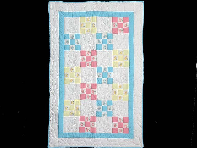Pastel Nine Patch Teddy Bear Crib Quilt Photo 1