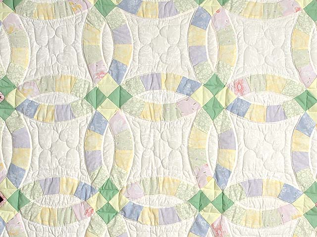 Green and Yellow Pastel Double Wedding Ring Crib Quilt Photo 2
