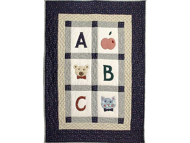Apple Bear and Cat Applique Crib Quilt Photo 1