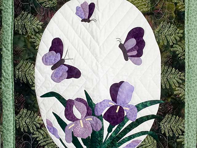 Fern Green Applique Iris Wall Hanging Photo 2