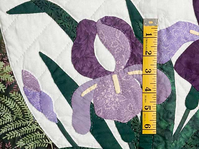Fern Green Applique Iris Wall Hanging Photo 4