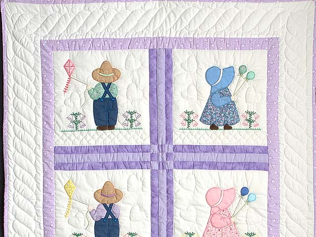 Lavender Sunbonnet Sue & Bill Crib Quilt Photo 2