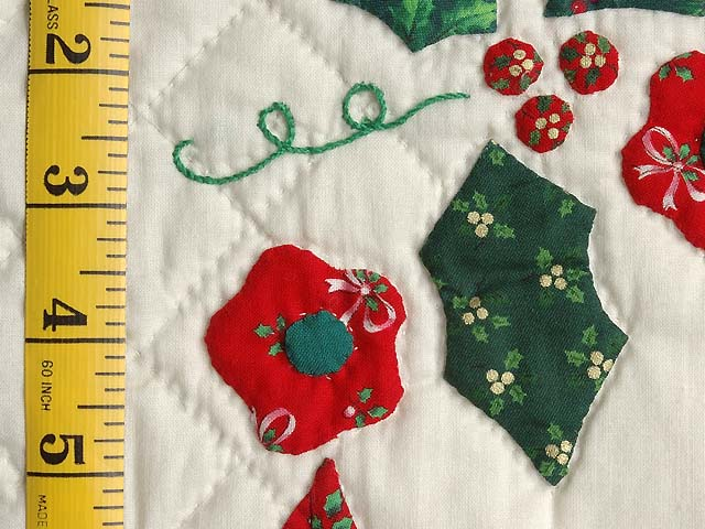 Red Green and Gold Holly Heart Wall Hanging Photo 4