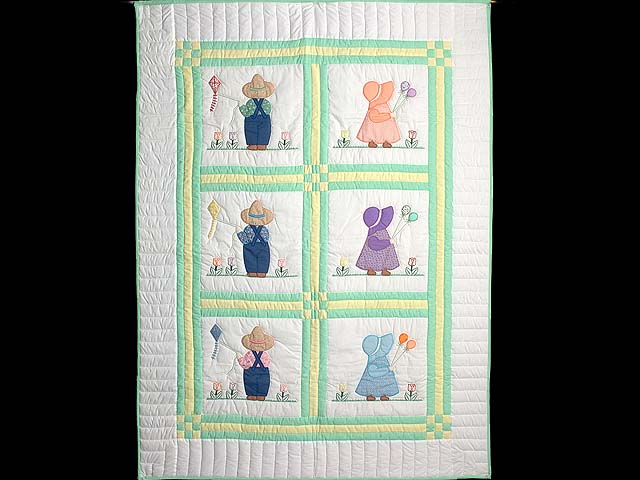 Sunbonnet Sue & Bill Crib Quilt Photo 1