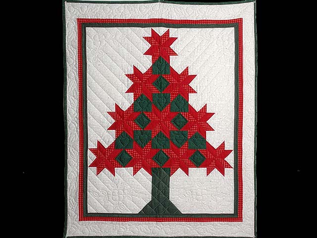 Red and Green Patchwork Christmas Tree Wall Hanging Photo 1