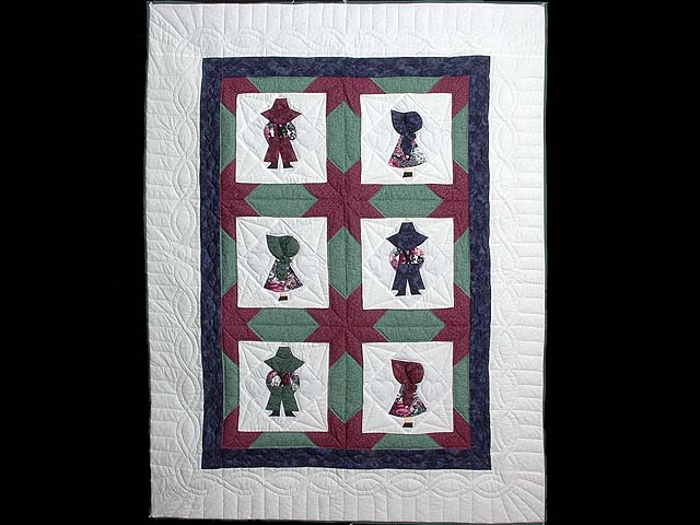 Pastel Sunbonnet Sue Crib Quilt Photo 1