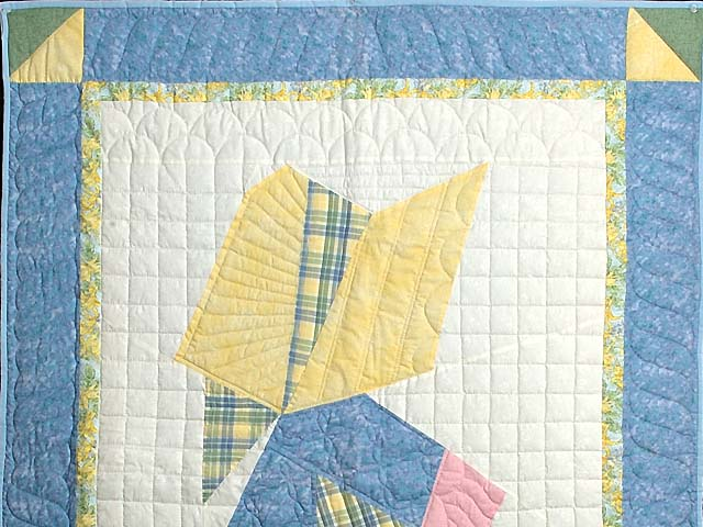 Pastel Holly Hobby Crib Quilt Photo 2