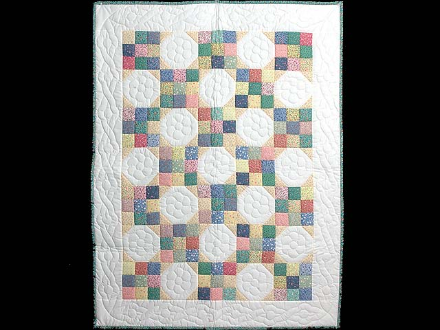 Pastel Snowball Crib Quilt Photo 1