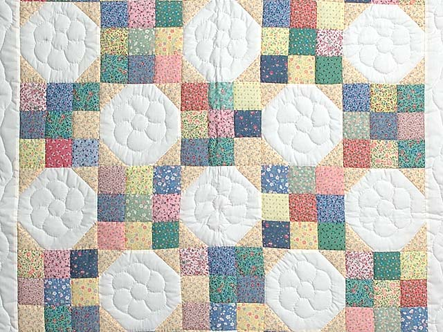 Pastel Snowball Crib Quilt Photo 2