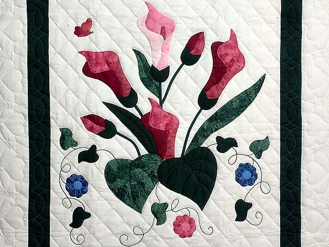 Rose and Dark Green Country Lily Wall Hanging Photo 2