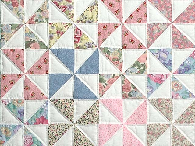 Pastel Green and Multicolor Pinwheel Crib Quilt Photo 2