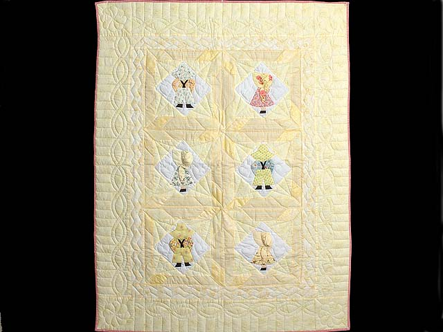 Pastel Yellow Sunbonnet Sue Crib Quilt Photo 1