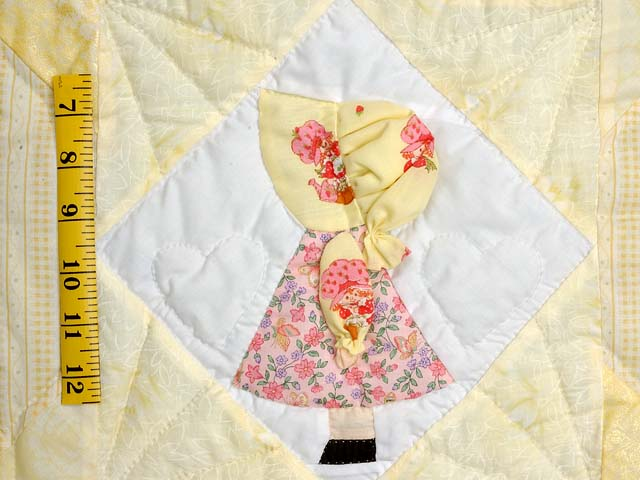 Pastel Yellow Sunbonnet Sue Crib Quilt Photo 4