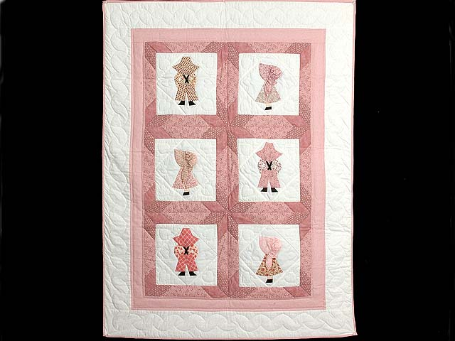 Pastel Pink Sunbonnet Sue Crib Quilt Photo 1