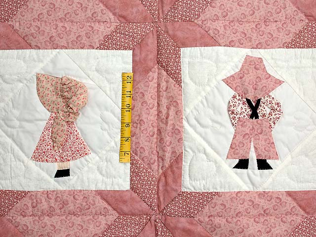 Pastel Pink Sunbonnet Sue Crib Quilt Photo 3